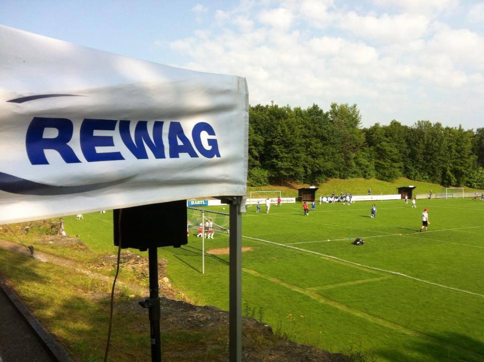 Von 2013 bis 2015 richtet die SpVgg Ziegetsdorf den REWAG-Cup, ein Jugendturnier mit bis zu 200 teilnehmenden Kindern, aus!