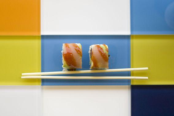Besonderes aus Island: Glasplatte mit Sushi von Gudrunvald.