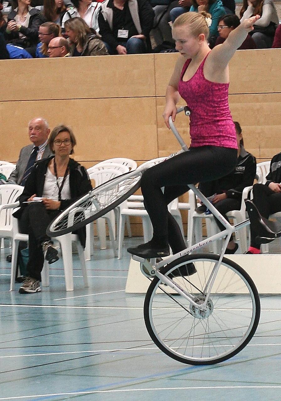 Johanna Graff zeigt Lenkersitzsteiger
