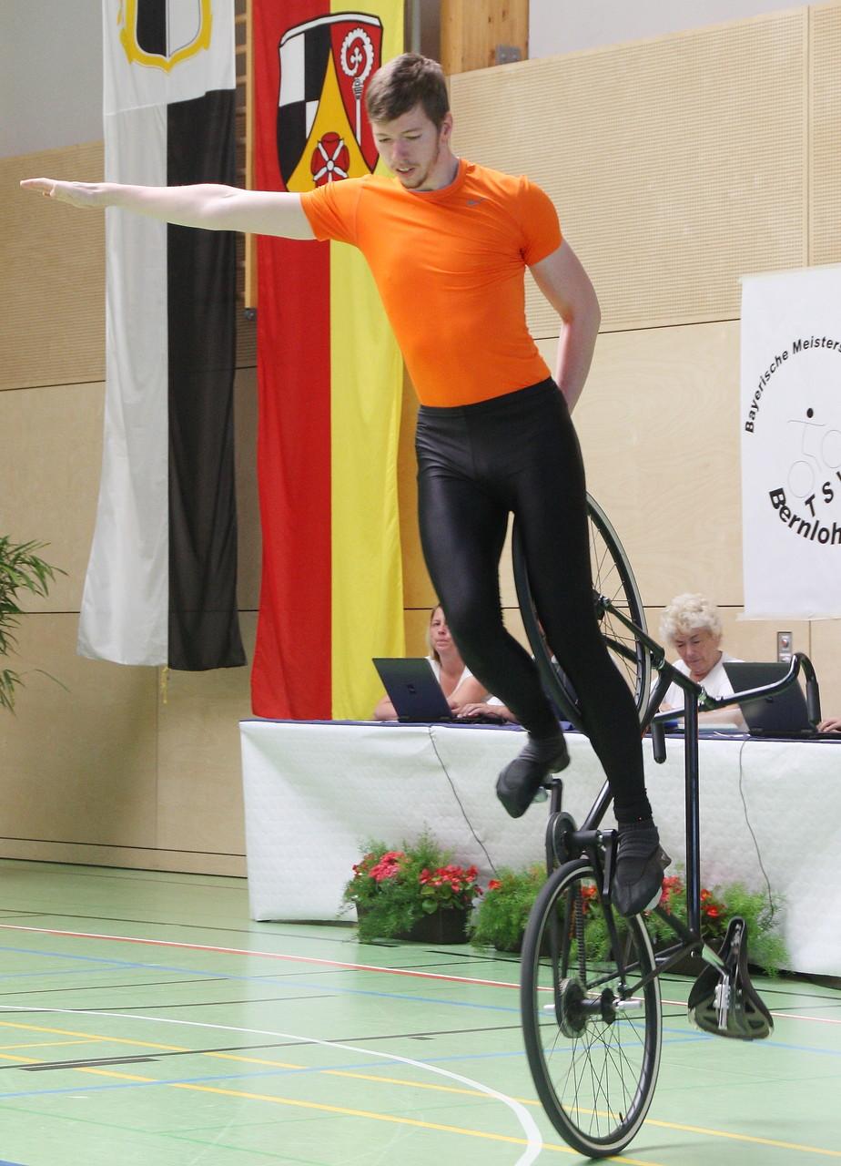 Daniel Zint zeigt Kehrstandsteiger