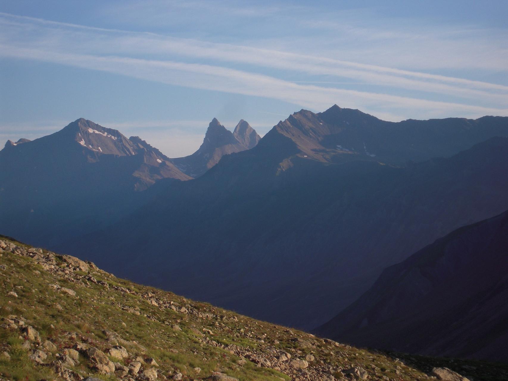 les Aiguilles d'Arve vues depuis les alpages de Chamoissière.