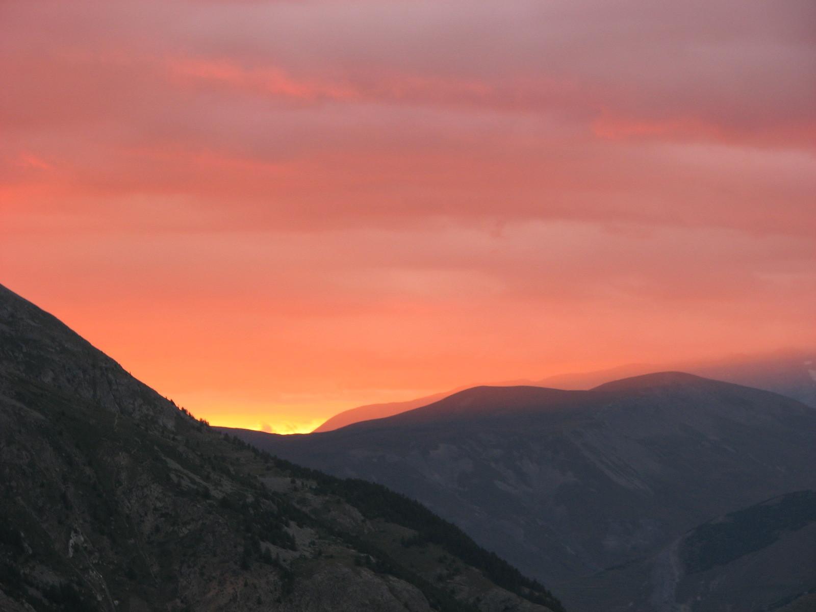 Couché de soleil sur le Plateau d'Emparis.