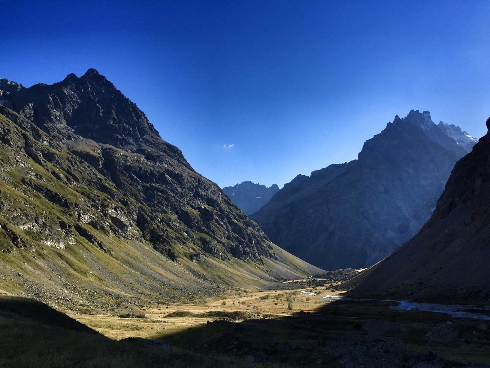 La Romanche s'écoulant dans le vallon de Valfourche...