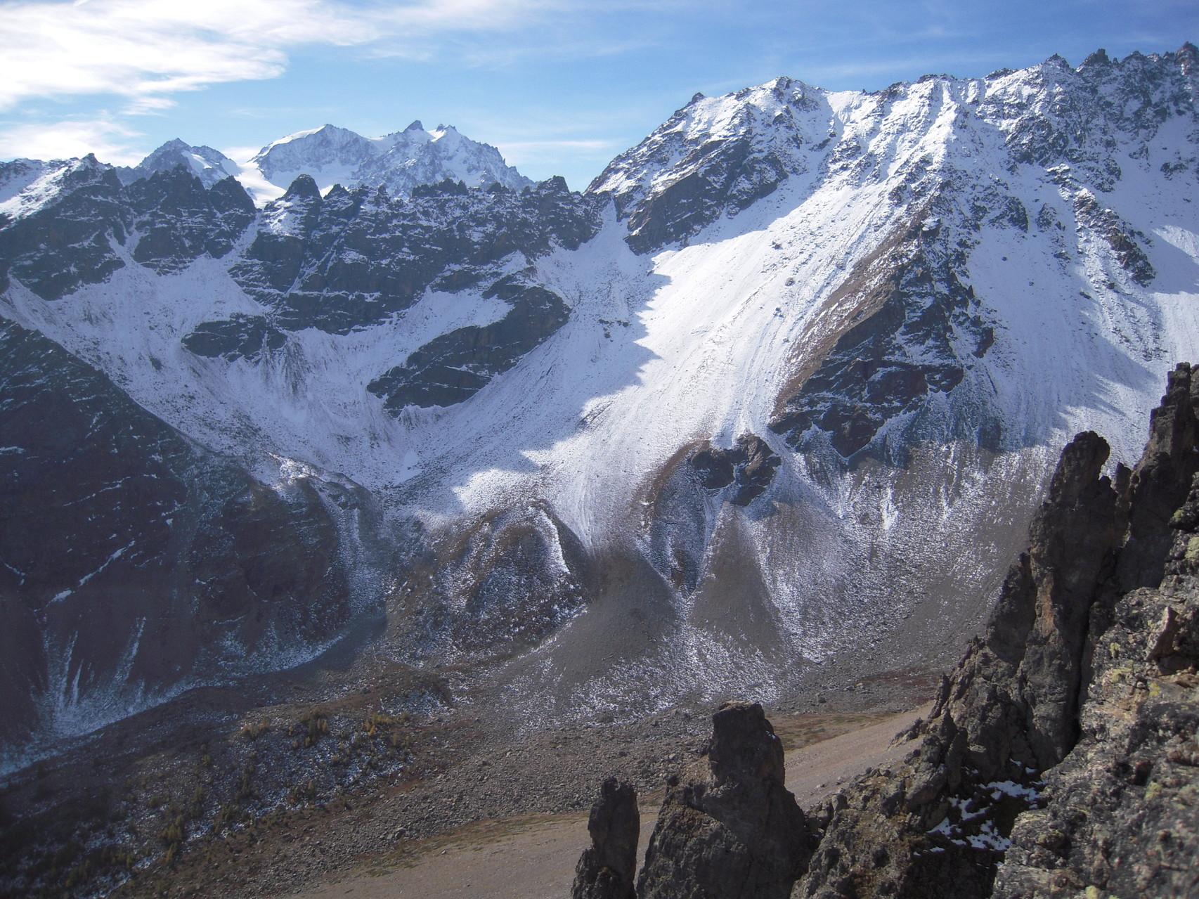 Le massif des Agneaux et le vallon du Fontenil à l'automne!