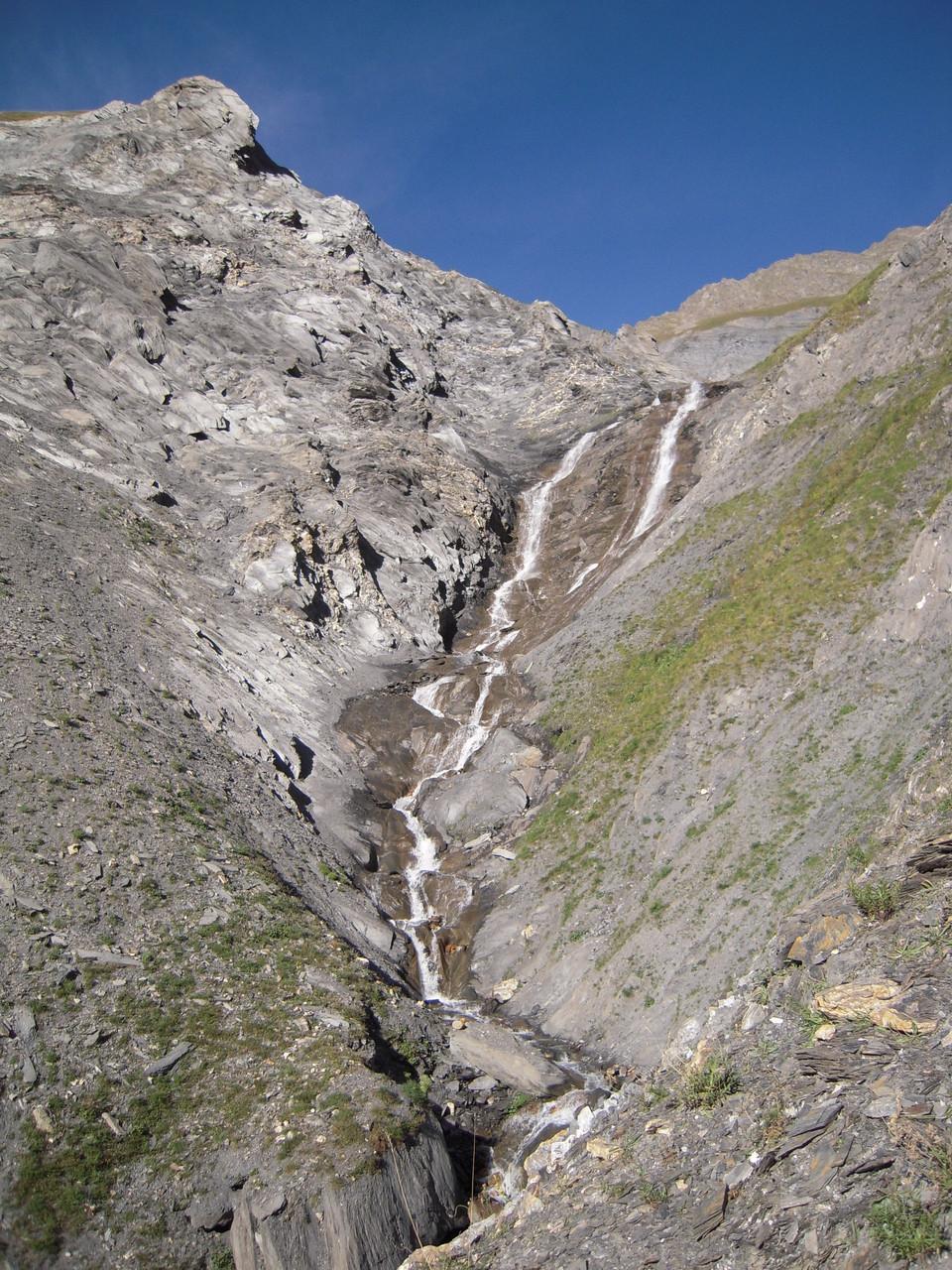 Cascade du Colombier sur le sentier de montée.
