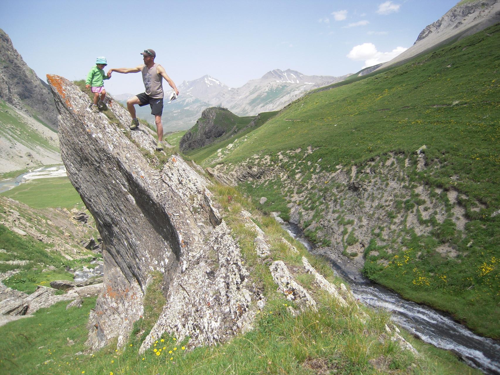 Rocher surplombant, quelque part au dessus des vasques du torrent de l'Alpe!