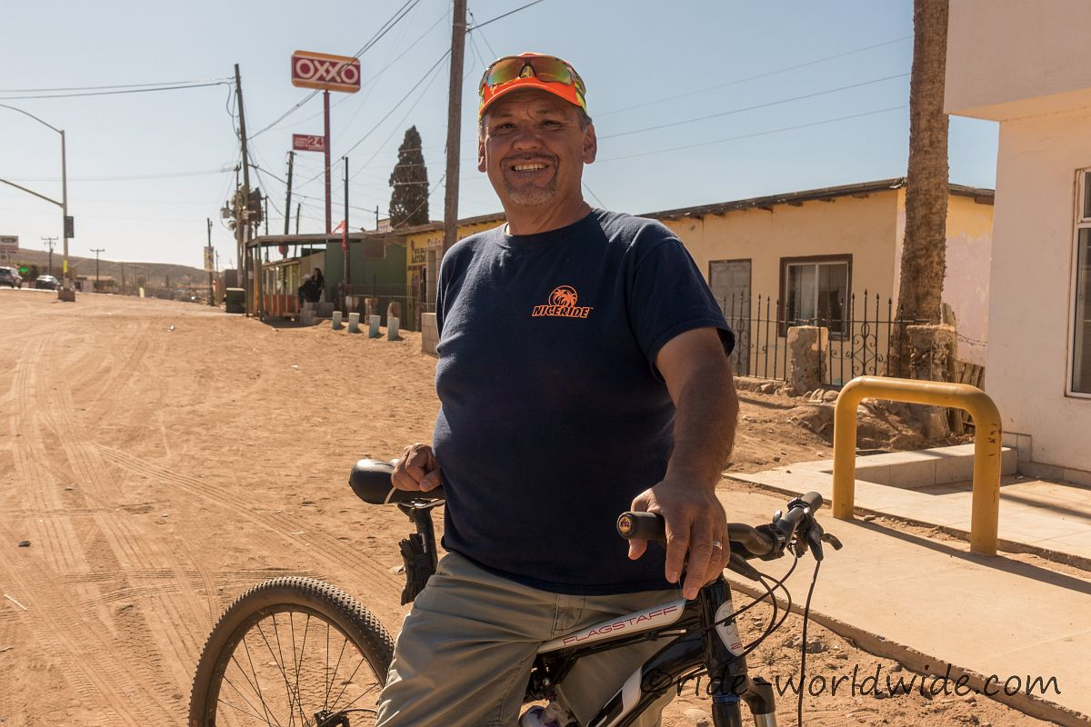 Jesus einheimischer Mountainbiker