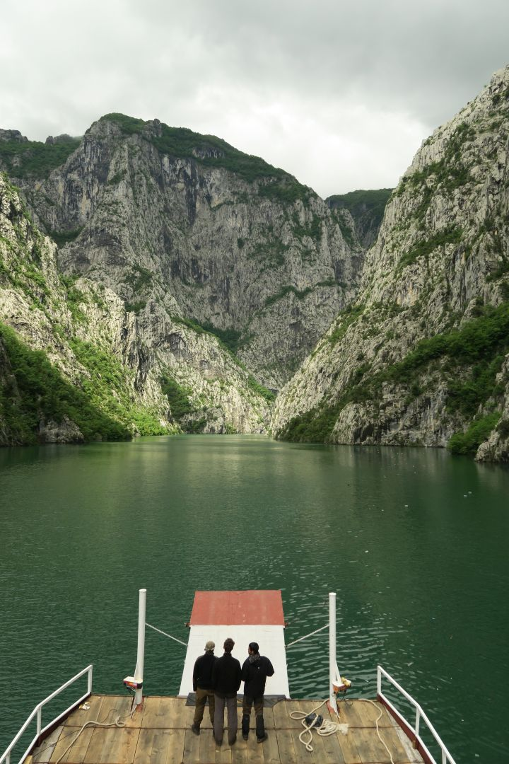 Über den Komani lake