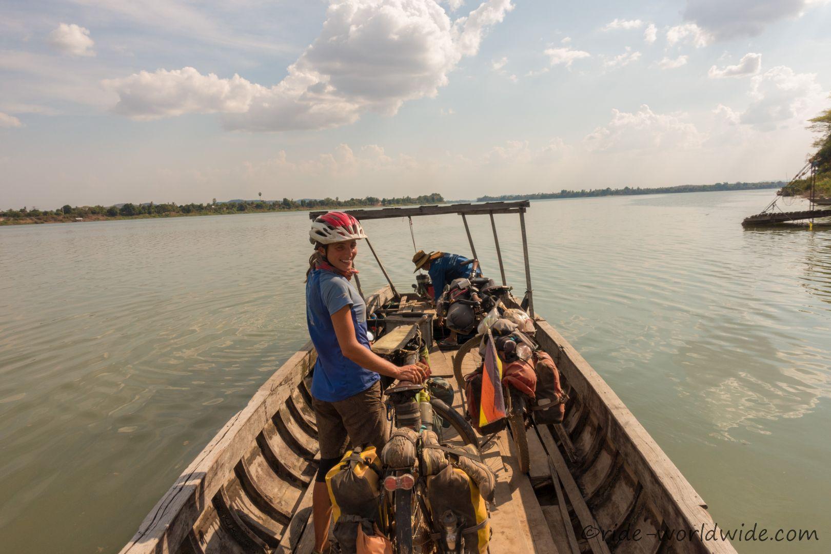 Übersetzen nach Don Khong - Mekongfähre