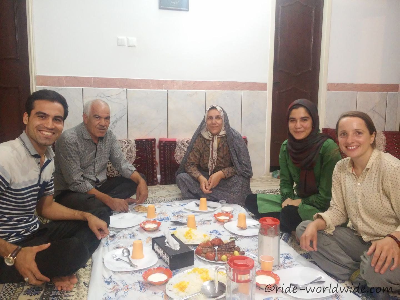 Gastfreundschaft Pur in Garmsar. Danke an Mehdi, Zara und der Familie