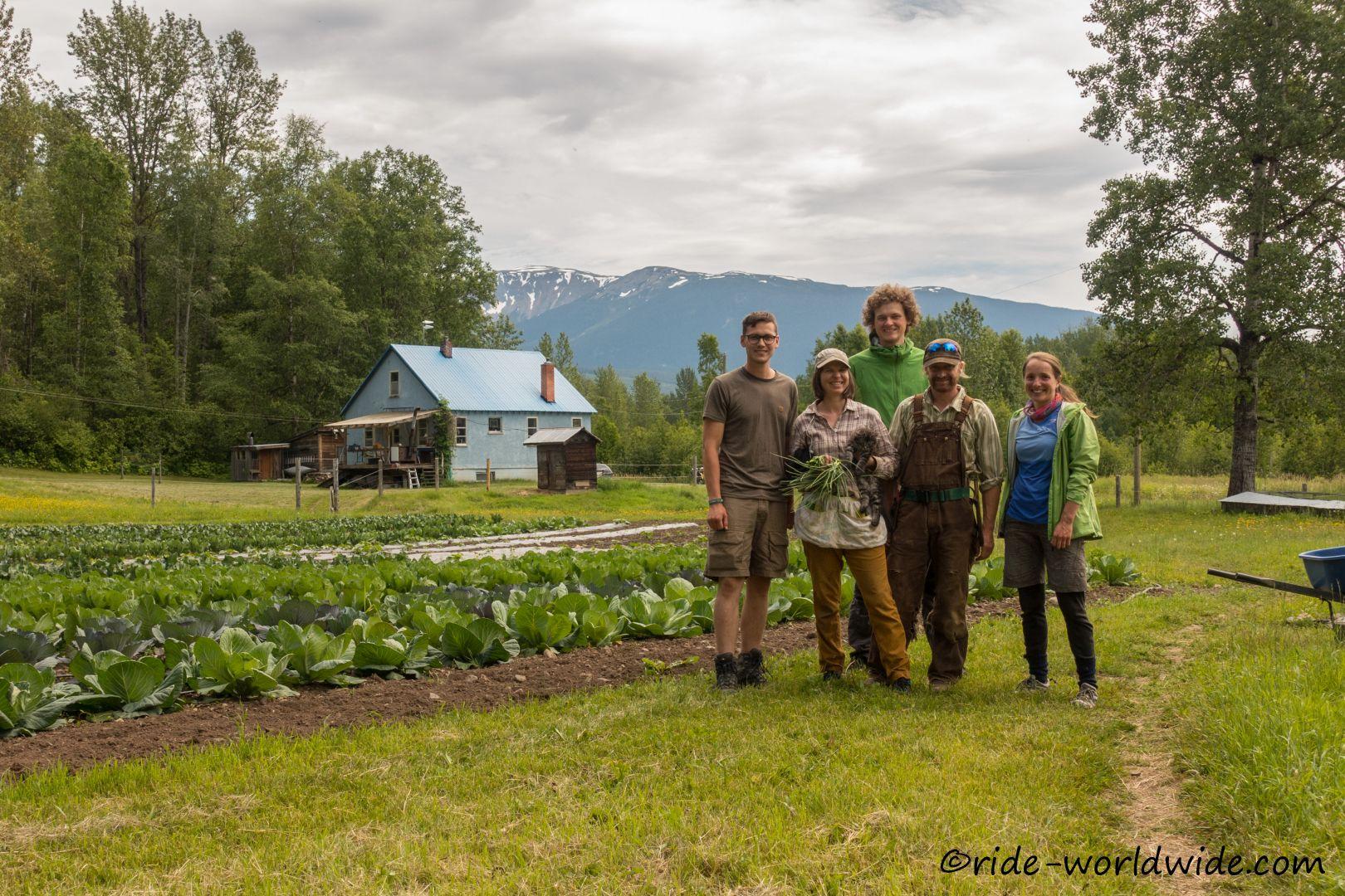 WoodGrain Farm mit Jonathan, Jolene und Felix