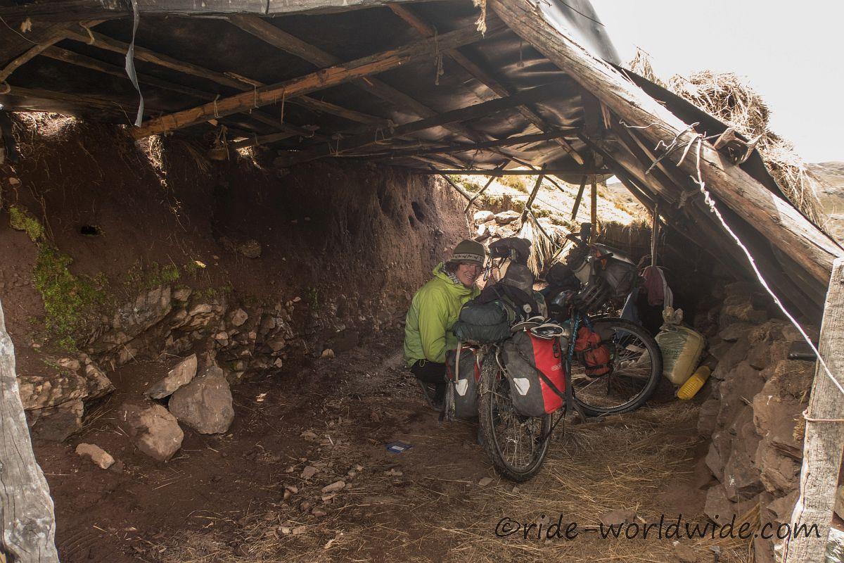 Schutz in einer 'Garage' vor dem 2 Uhr Regen