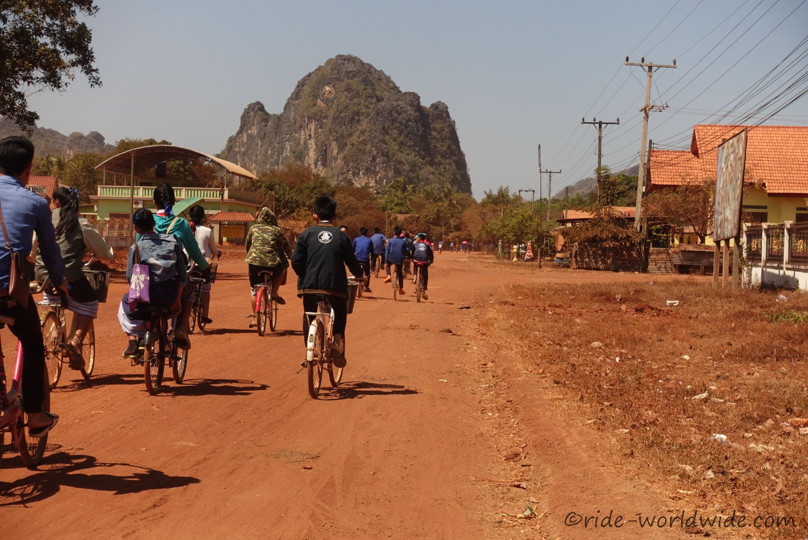 Schule aus wir gehn nach Haus... hier immer noch mit dem Fahrrad