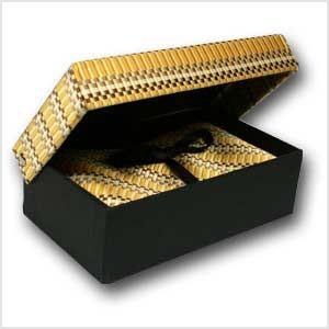 Caja regalo Corbata Pañuelo de bolsillo y forrada con seda