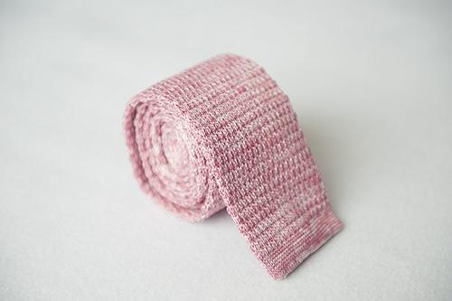 Corbata de punto rosa en seda