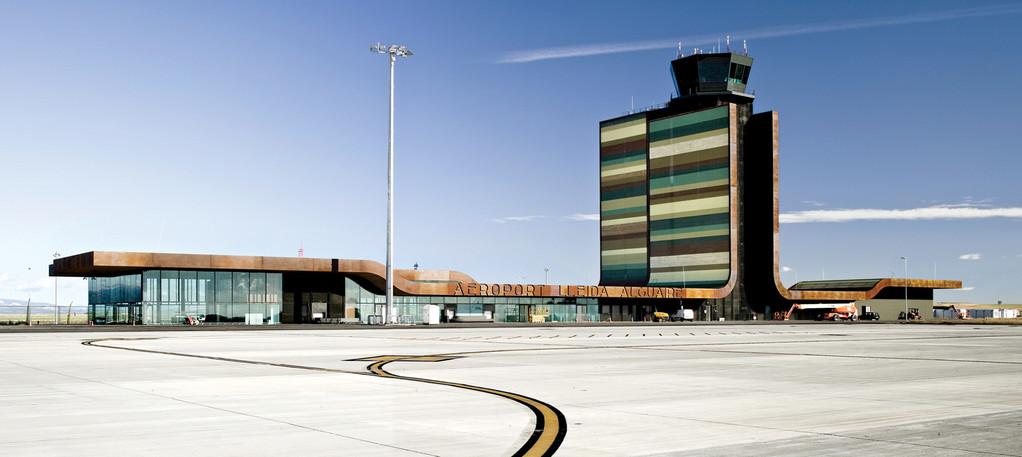 Aéroport Lleida-Alguaire B720 Arquitectos © Adrià Goula