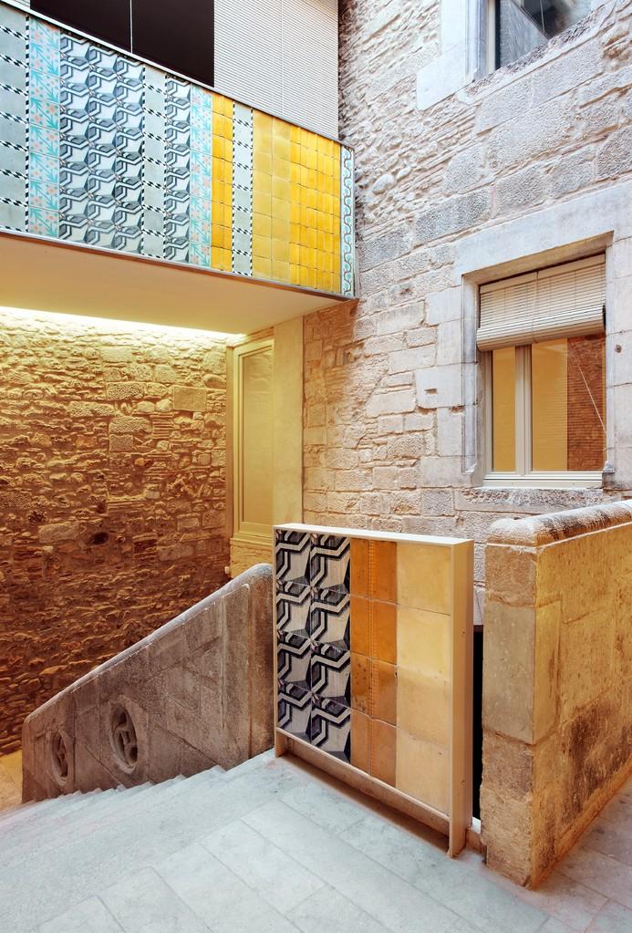 MAISON COLLAGE À GÉRONE (CATALOGNE) Cabinet Bosch Capdeferro Architectures © José Hevia