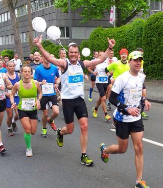 Als Hase beim Düsseldorf Marathon 2015.