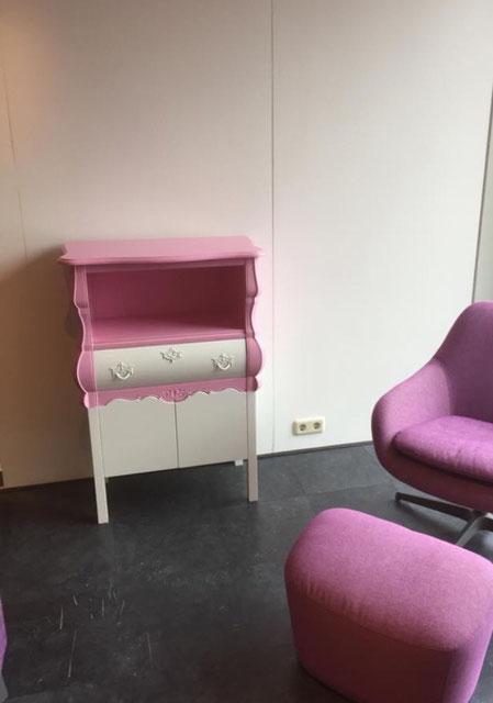 Rose buikkastje verwerkt tot designmeubel voor een klant in Harderwijk.