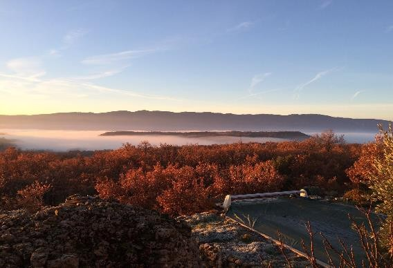 Panoramic view 180° on Luberon