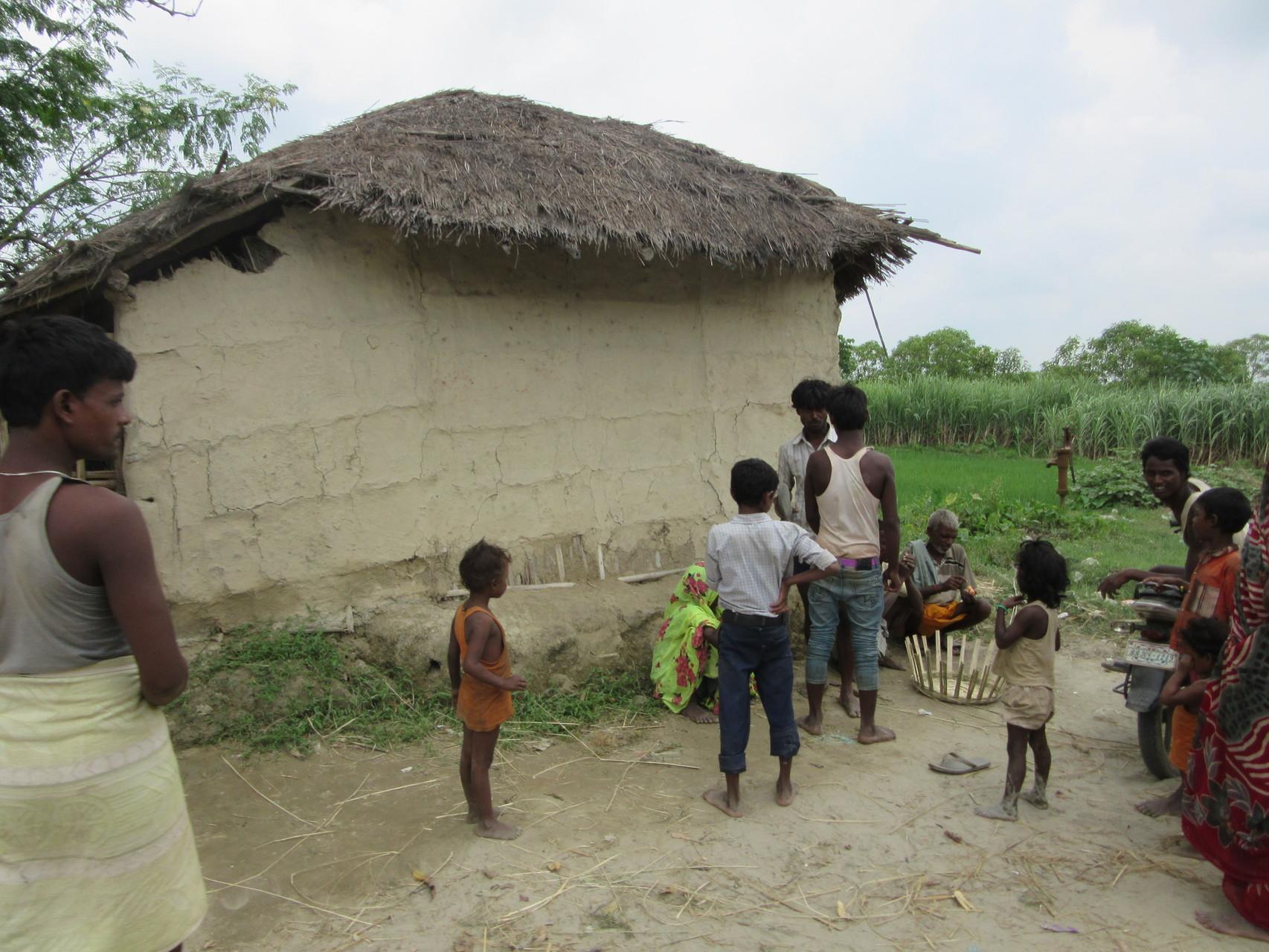 In vielen Teilen des Landes außerhalb von Kathmandu wohnen die Menschen in Lehmhütten.