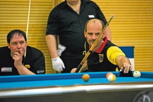Hofft, dass bei den Titelkämpfen in Bad Wildungen die Kugeln für ihn günstig liegen: Pool-Billard-Ass Tankred Volkmer. Foto: M. Hochstätter