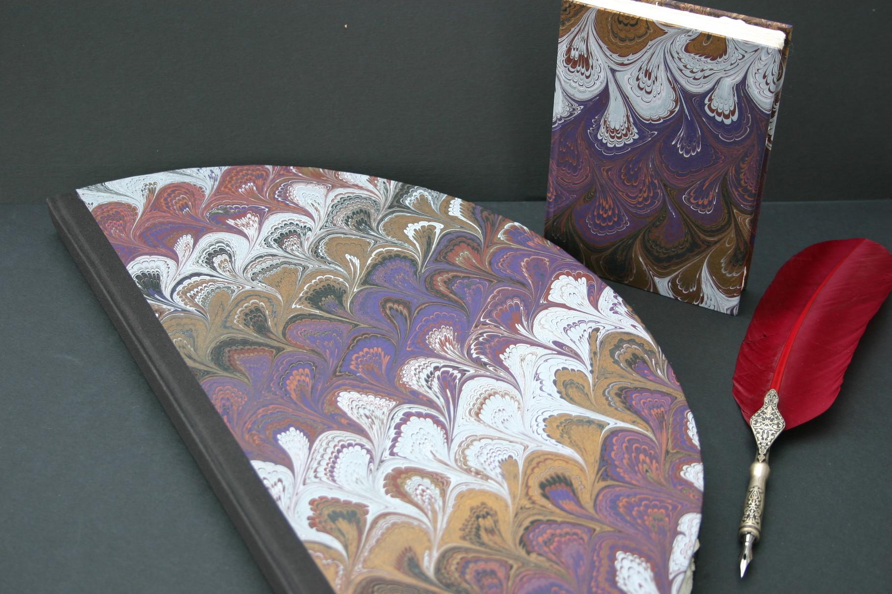 Rundbuch in Venezianischem Handmade Paper
