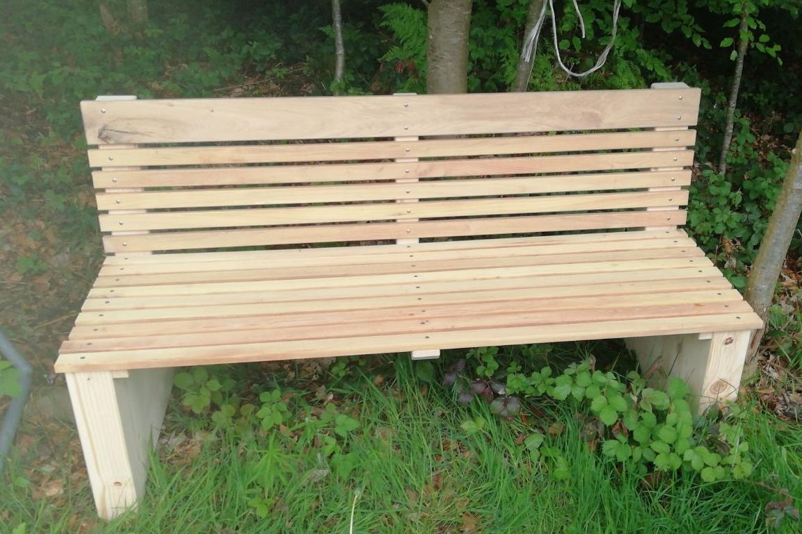 Wald-Sitzbank - Upcycling mit Latten einer alten Sichtschutzwand