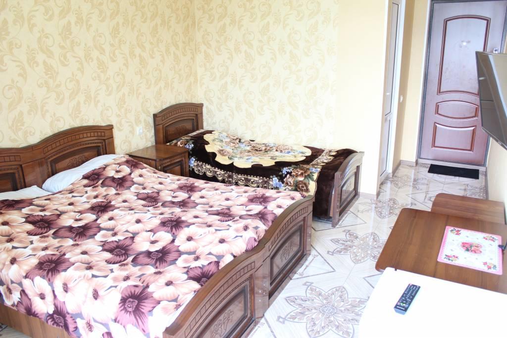 3-х местный улучшенный мини-гостиницы Аида