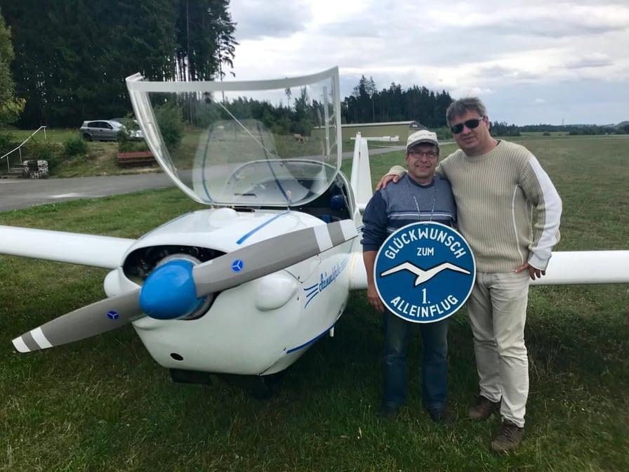 1. Alleinflug von Flugschüler Michael Beyer