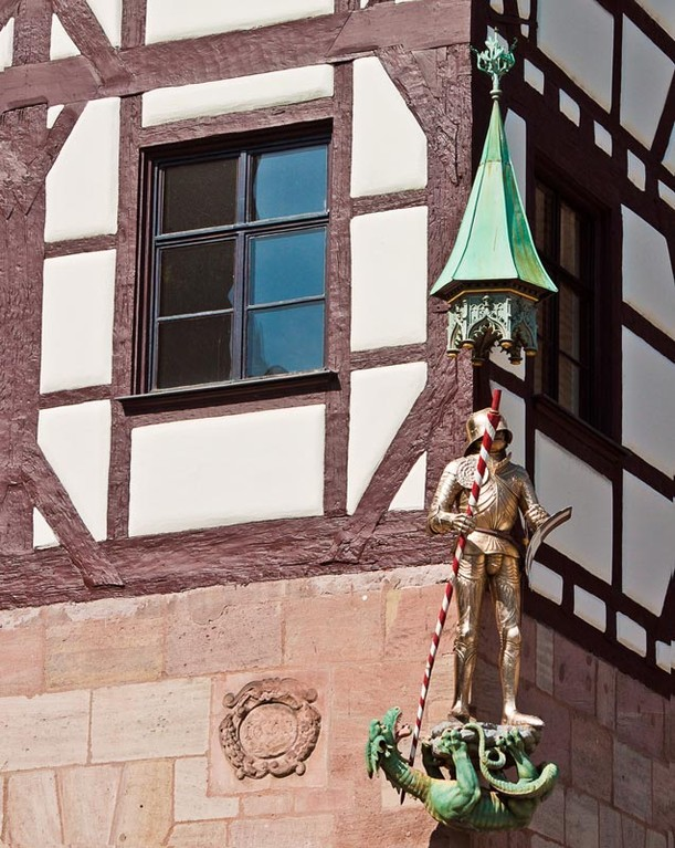 St. Georg, am Tiergärtnertorplatz