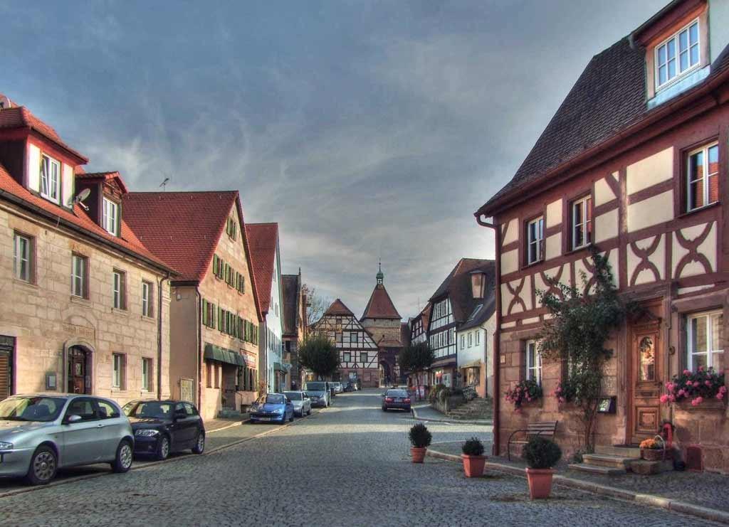 Blick in die Markstraße mit seinen Historischen Häusern HDR