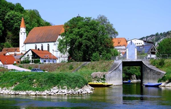 Kelheim, Einflus vom alten König Ludwigkanal in die Donau