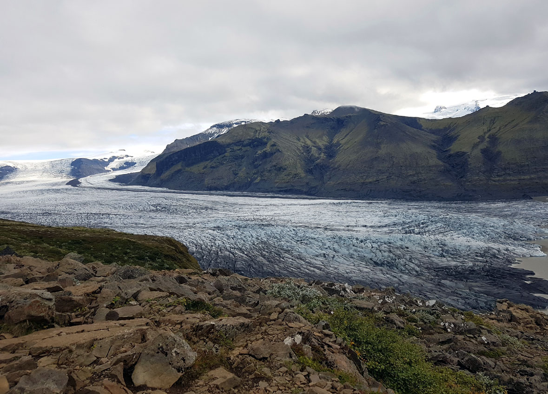Un des bébés du mégaglacier Vatnajökull  (grand comme la corse paraît-il)