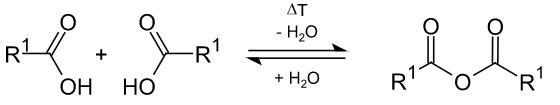 Strukturformel einer Dehydratisierung.