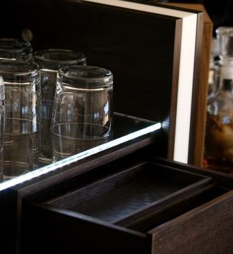 Schreinerei Hopfmann Holz Schmankerl Bichl Whiskeymöbel Hausbar Die feinen Details machen den Unterschied