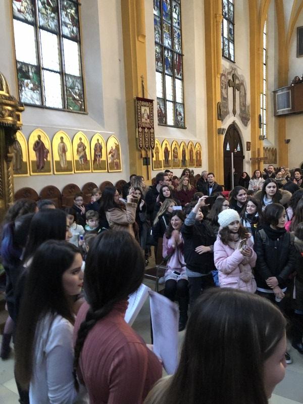 Καθολική γυναίκα που χρονολογείται μουσουλμάνος άνθρωπος