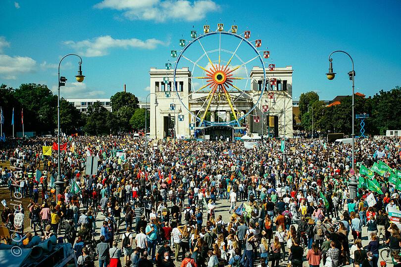 """29.000 άτομα στην """"Fridays for Future"""" στο Μόναχο"""