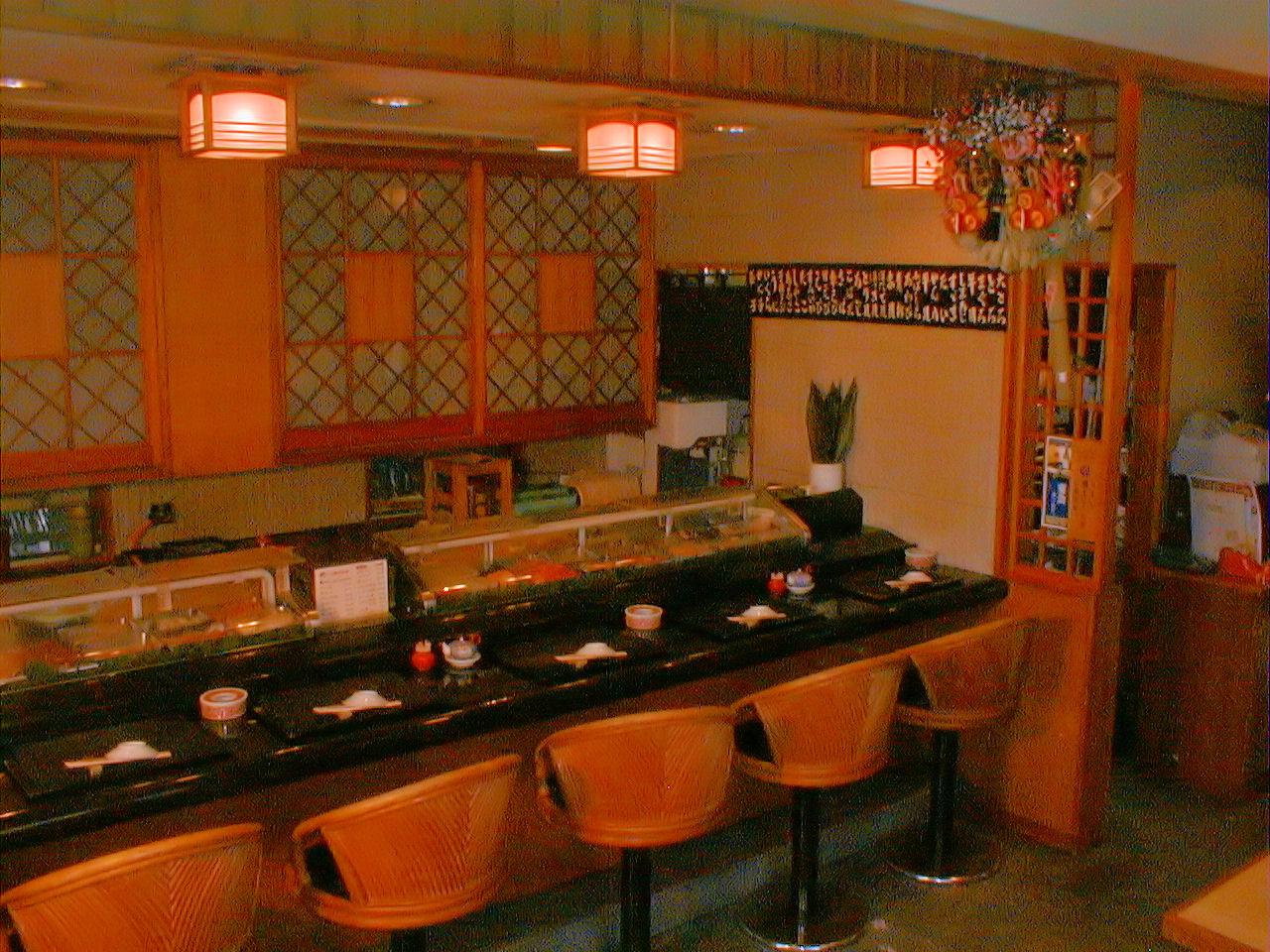 寿司、鰻、フグ料理の美登里家