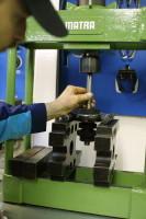 Die 30 Tonnen-Hydraulikpresse schafft jede Antriebswelle