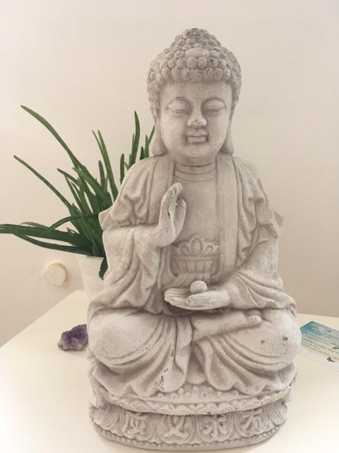 Einblick in meine Praxis natürlich.gesund.leben Entspannung Aschaffenburg Buddha
