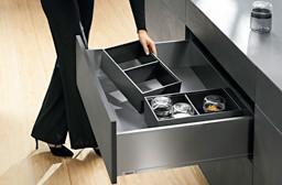 Blum Legrabox Einteilung frei konfigurierbar, halten durch Magnet