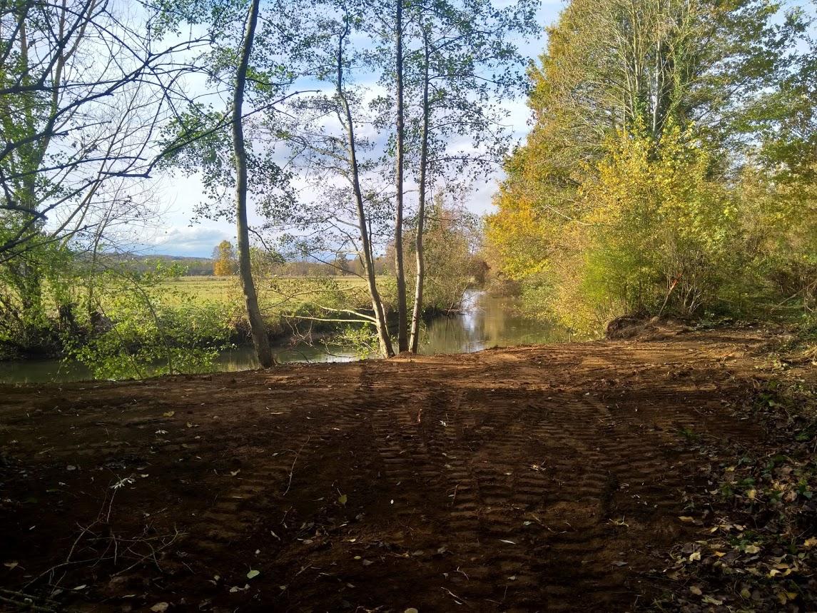 merlon terrassé permettant l'expansion des crues vers les zones de marais...
