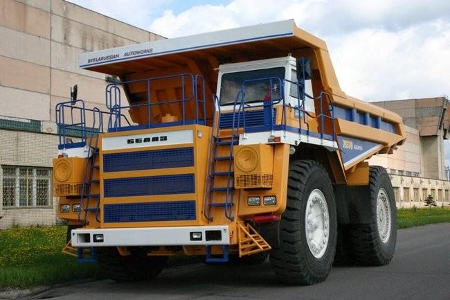 БелАЗ-75570