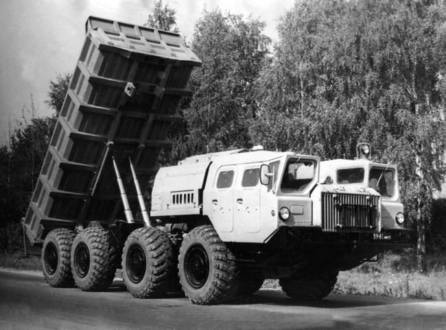 Самосвал МАЗ-75161. Фото с сайта МЗКТ http://www.mzkt.by/