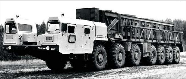 МАЗ-7917 для серийного варианта ПГРК «Тополь». 1985