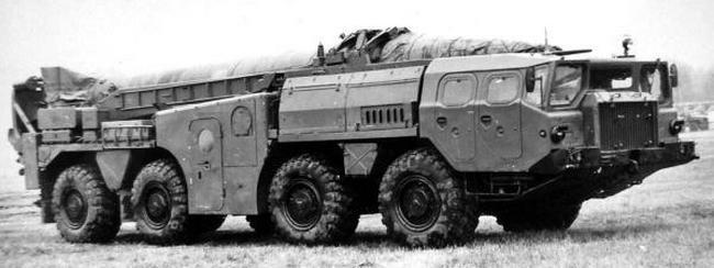 Пусковая установка 9П117 оперативно-тактического комплекса 9К72 на шасси МАЗ-543. 1965 год