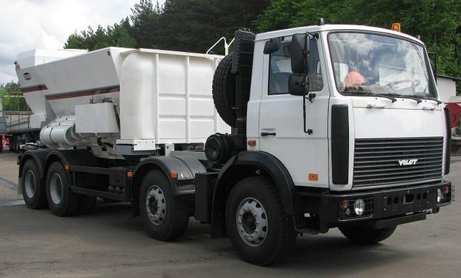 Мобильный бетонный завод на шасси МЗКТ-700600-011