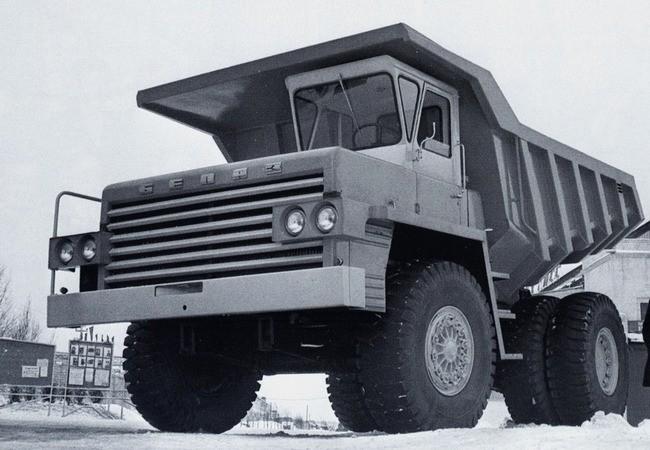 БелАЗ-540 перед отправкой на выставку в Лейпциг.