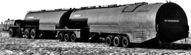 Тягач МАЗ-74103 в составе топливозаправщика ТЗ-90. 1987 год